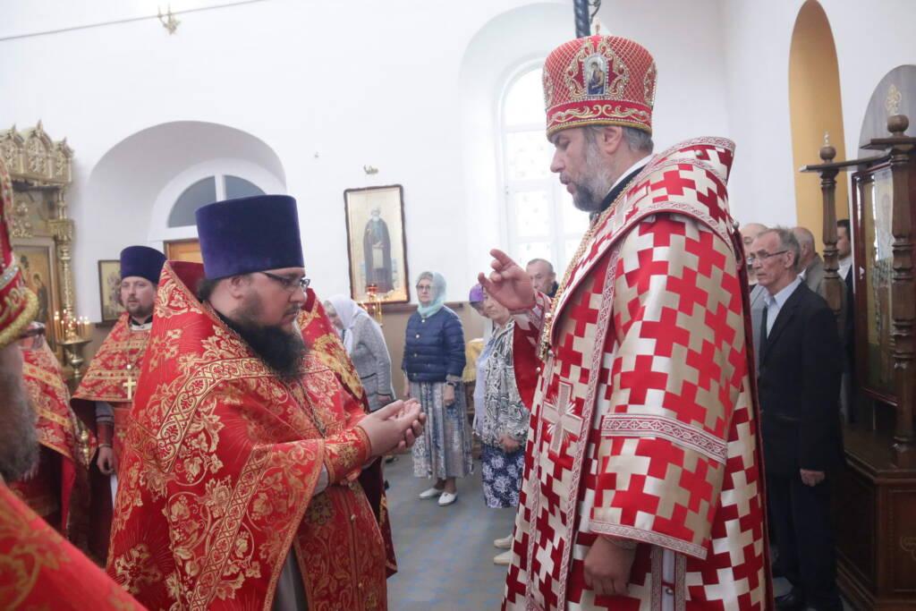 Божественная Литургия в Никольском храме села Погост Касимовского района