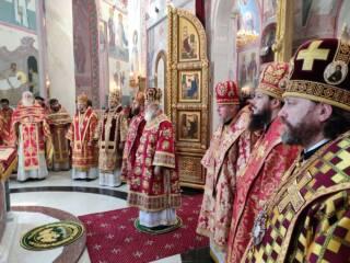 16.052021 Еп. Василий сослужил митрополиту Сергию в Самаре