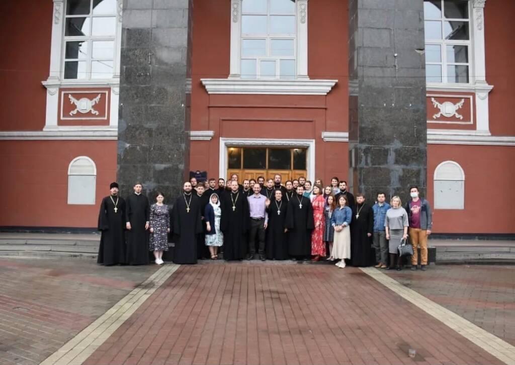 Клирик Касимовской епархии иерей Александр Веденеев принял участие в интенсиве по работе с подростками, состоявшемся в Воронежской епархии