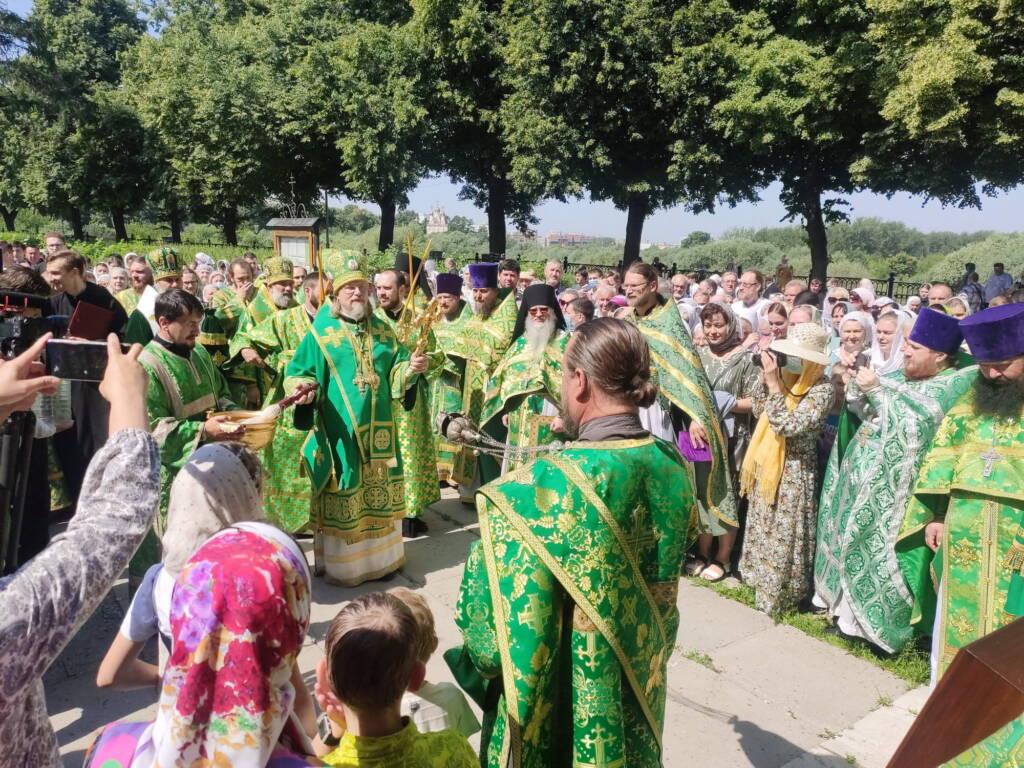 Преосвященнейший епископ Василий принял участие в торжествах по случаю дня Собора Рязанских святых в Рязанском кремле