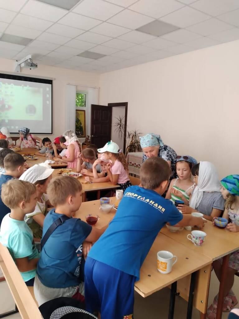 Троицкий храм Тумы посетили школьники