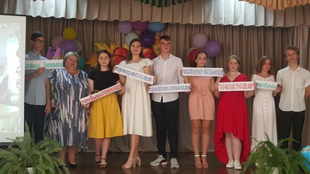 Протоиерей Алексий Уваров принял участие в выпускном вечере в Ерахтурской средней школе