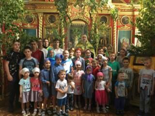 В Спасском храме с. Борки был совершен благодарственный молебен по окончанию учебного года