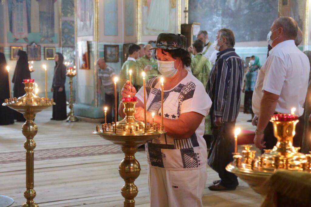 Божественная Литургия в Димитриевском храме посёлка Кадома по случаю памяти преподобного Германа Аляскинского