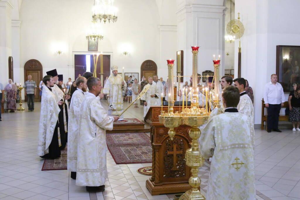 Всенощное бдение в канун праздника Преображения Господня в Вознесенском Кафедральном соборе города Касимова