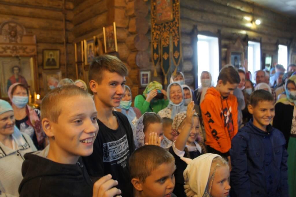 В г. Сасово школьники попросили благословения Божия перед началом учебного года