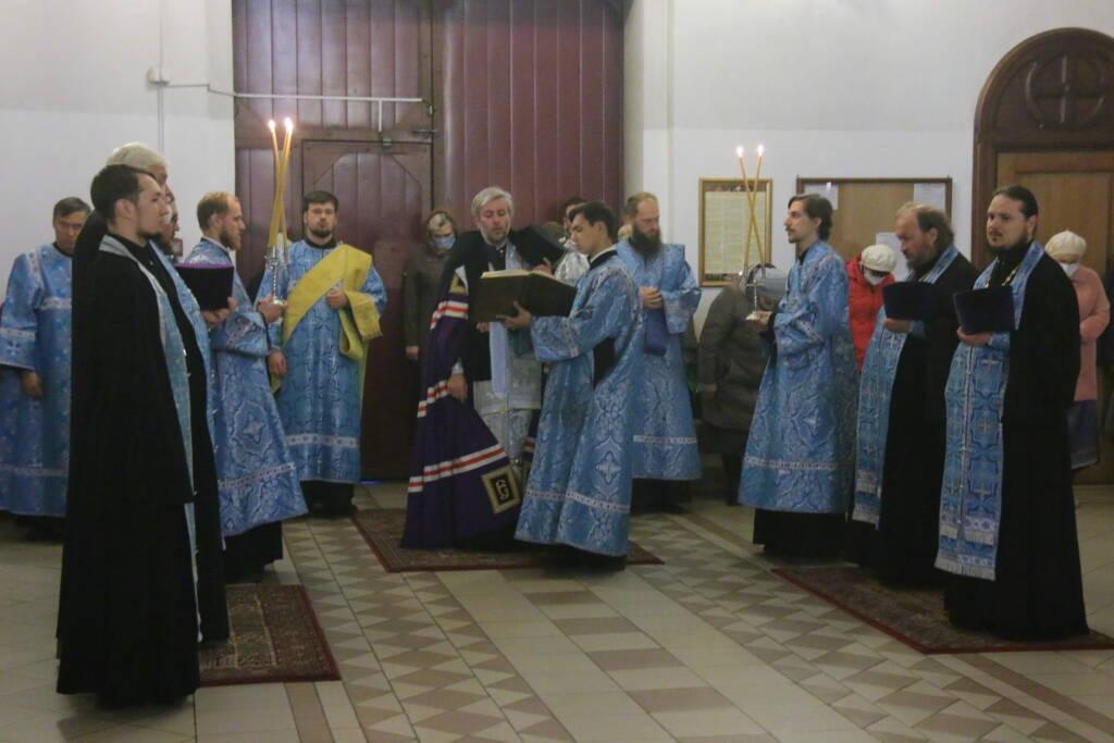 Всенощное бдение в канун праздника Покрова Пресвятой Богородицы в Вознесенском Кафедральном соборе города Касимова